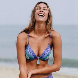 Shade & Shore Light Lift Blue Purple Green Crochet